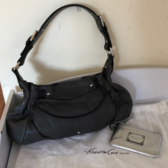 Kenneth Cole Handbags - Kenneth Cole NY leather shoulder bag and wallet